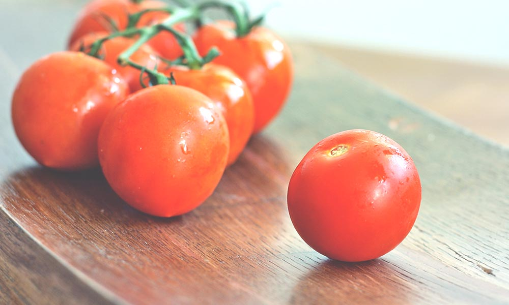 10 Whole Foods That Increase Your Brainpower 4 tomatoes