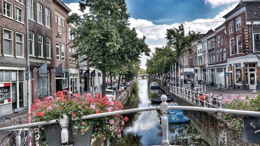 Amsterdam's Pandemic Recovery Plan Embraces Doughnut Economics and the Circular Economy