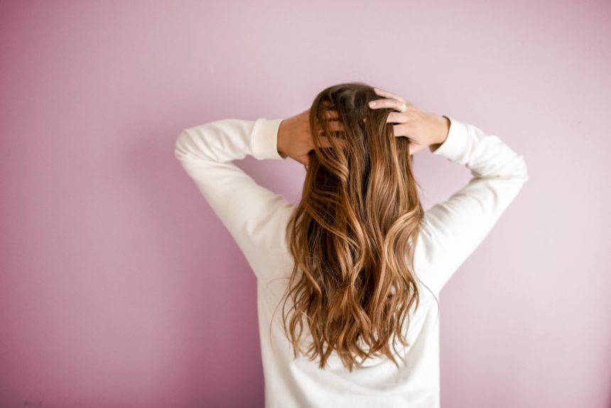 """Before Ditching Shampoo for the """"No Poo"""" Method, Read This"""